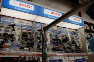 Display stand of Bosch power tools in HBA Powerstore.
